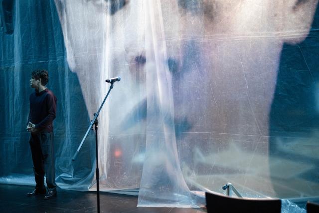 Simon Kluth, in » iCh mÖhCte liEbEr NihCt« von Rafael Ossami Saidy nach Herman Melville, Regie: Rafael Ossami Saidy