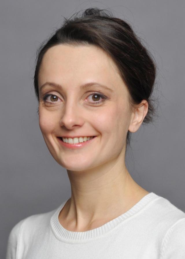 Paula Thielecke | Akademie für Darstellende Kunst Baden-Württemberg %