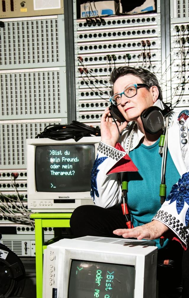 »Radio Einsamkeit« eine digitale Parabel von Nicola Bremer | Regie: Maximilian Pellert | neue Bühne Senftenberg